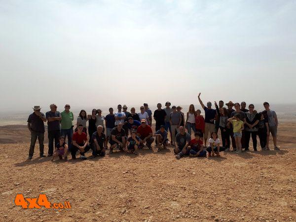 הקבוצה בתצפית הר צניפים