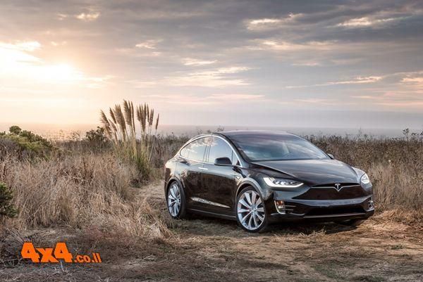 מחוץ לקופסה - טסלה מודל Tesla X