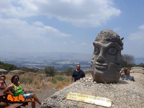 פסל הפרצופים ששביל אלי כהן