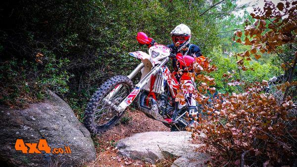 מסע אופנועים משולב הדרכת אנדורו לצפון יוון