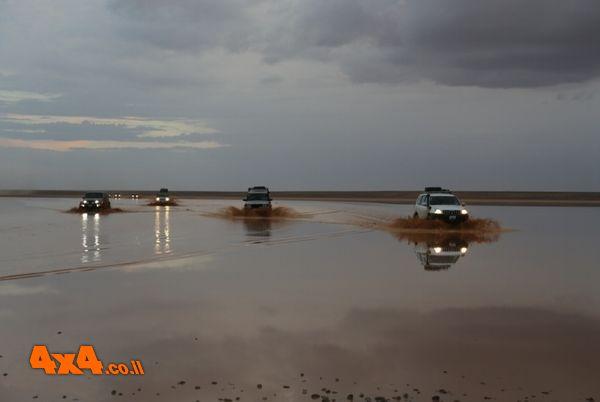 מזרח ירדן - טיול ג'יפים לים שבלב המדבר