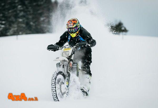 מאמא-ליגה של אופנועים בשלג