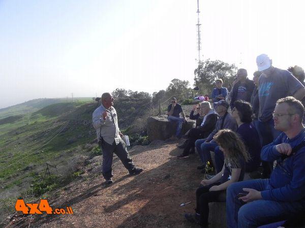 בנקודת תצפית בכוכב הירדן - מדברים על מה שרואים ועל מאיר הר ציון ואחוזת שושנה