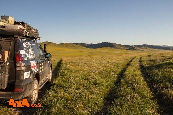 מונגוליה - 12 סיבות לטיול ג'יפים חוצה יבשות