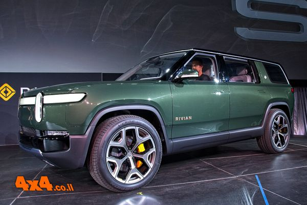 רכב שטח חשמלי חדש: Rivian R1S