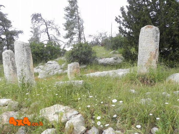 בדרך הרומית הגענו אל אתר אבני המייל