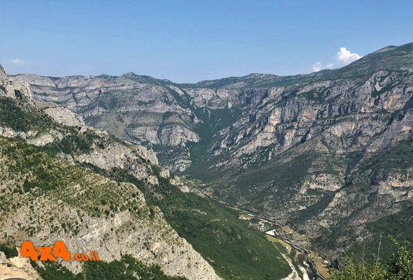 שטח 4X4 - יומני מסע בעולם - אלבניה