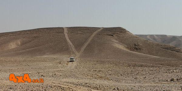 הר מנחם זהו ההר הרשון שאנו עומדים לטפס