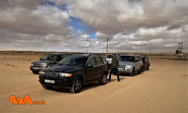 נחתנו במדבר בבוקר היום השני  הסערה מאחורינו אומנם אך לפנינו סופות החול