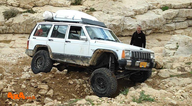 נחל עדשה בטיול ג'יפים אתגרי של אתר השטח