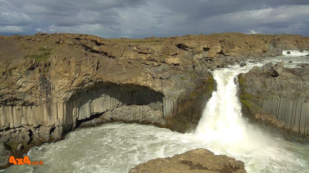 שטח 4X4 - יומני מסע בעולם - איסלנד