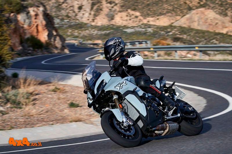 BMW S 1000 XR החדש נוחת בישראל