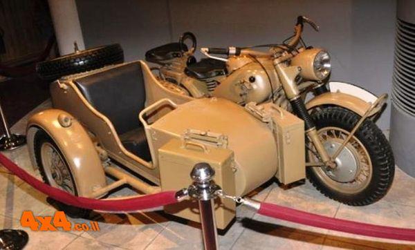 במוזיאון המכוניות של המלך חוסיין - ירדן