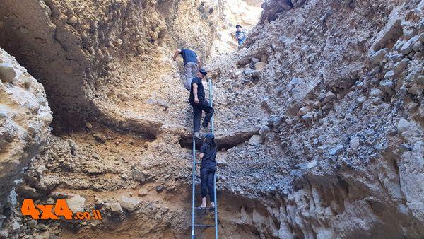 מטפסים בקניון עדה