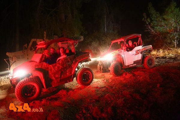 זום טרקטורונים בטיול לילה על דרך בורמה