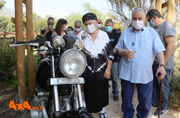 האופנוע של רב סרן אורי אזולאי חוזר אל בית הוריו