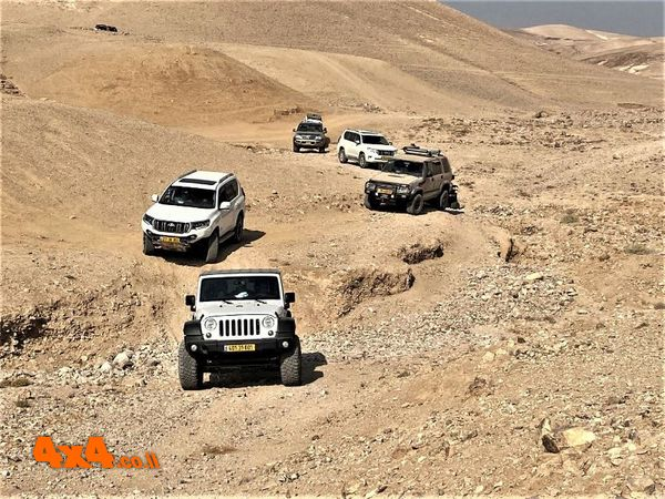 מורד הדרך אל המדבר