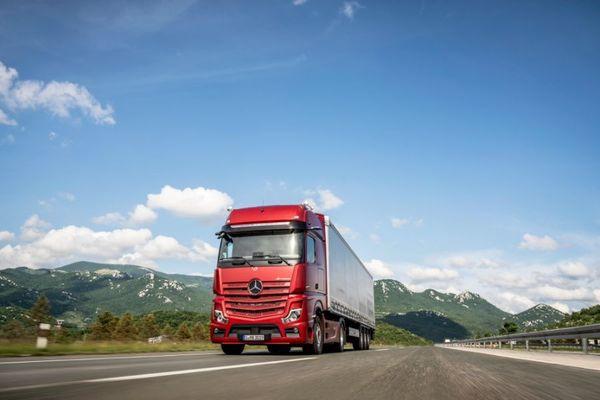מרצדס משיקה בישראל את משאית האקטרוס החדשה