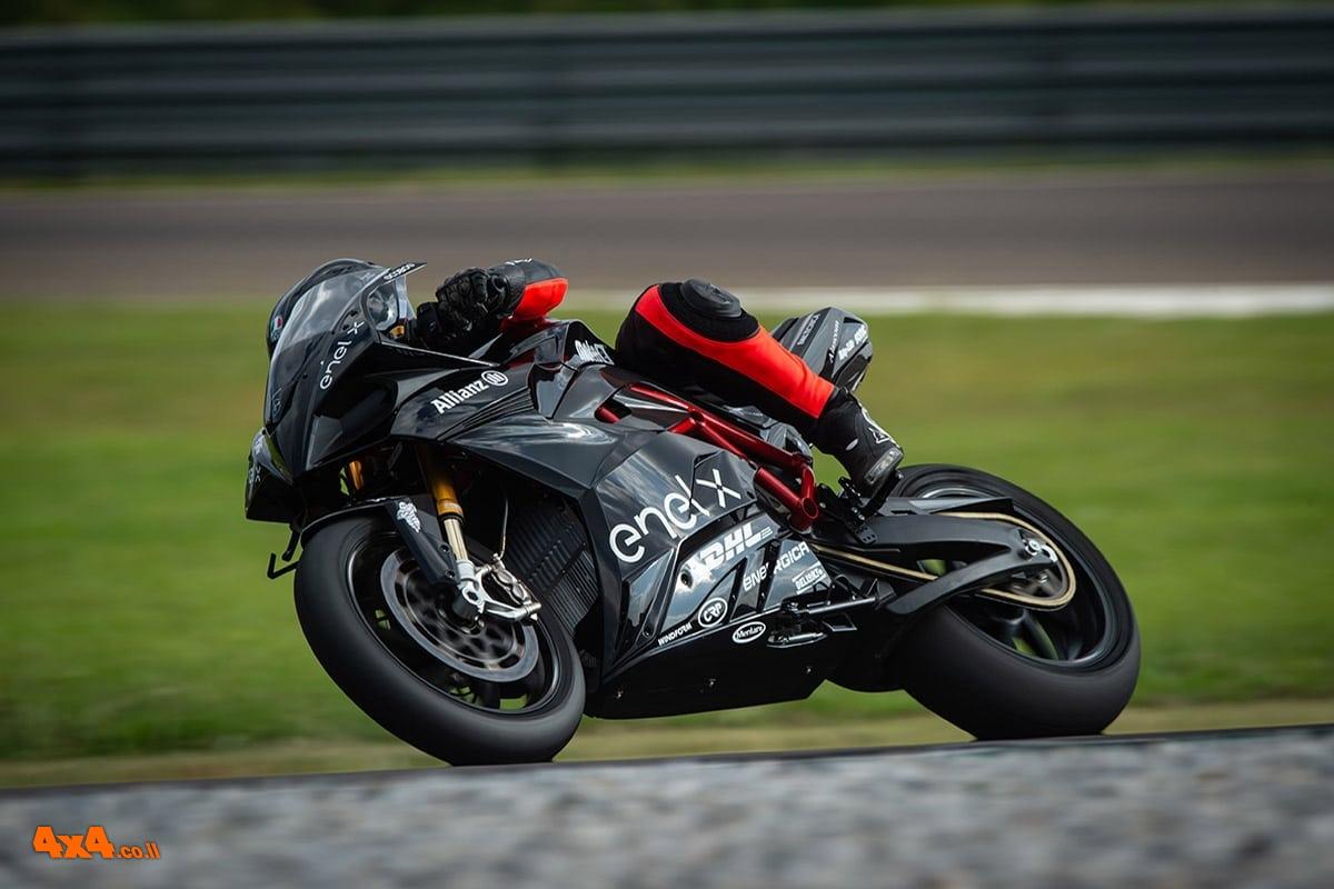 אופנועים / טרקטורונים