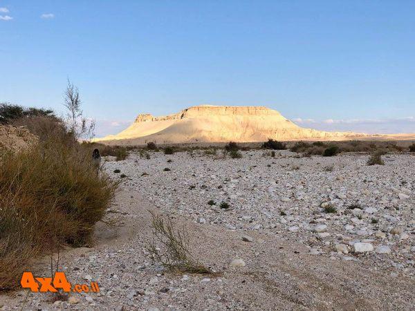 לעבר הר צין הוא הר ההר