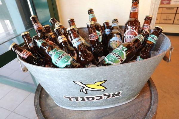 בירה אלכסנדר בשיתוף יקב כרמל