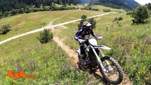 אופנועי אנדורו בהרי הרילה - בולגריה