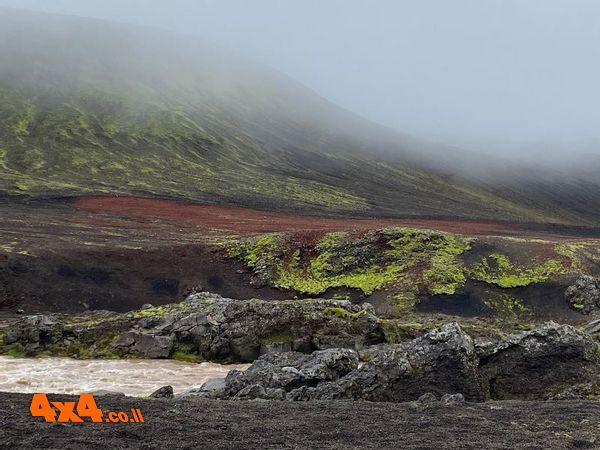 חבל הארץ עם הרים ירוקים (מאזוב)