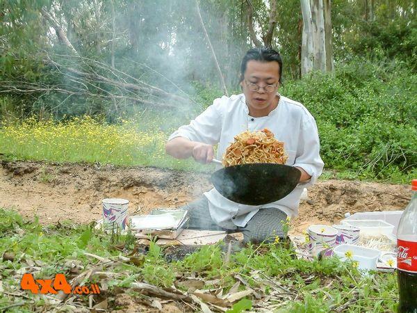 בישול בשטח: Noodles Bar בדרך הבשמים