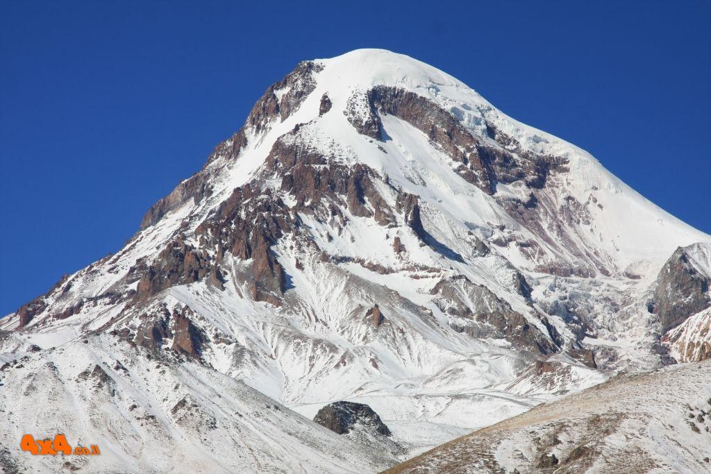 קזבק 5,047 מ' טיפוס לפסגה על רכס הקווקז