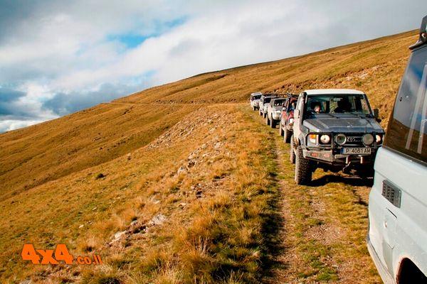 רומניה - טיול ג'יפים אתגרי ואותנטי בנהיגה עצמית