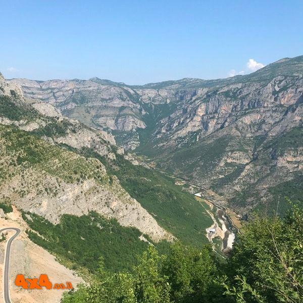 טיול ג'יפים באלבניה