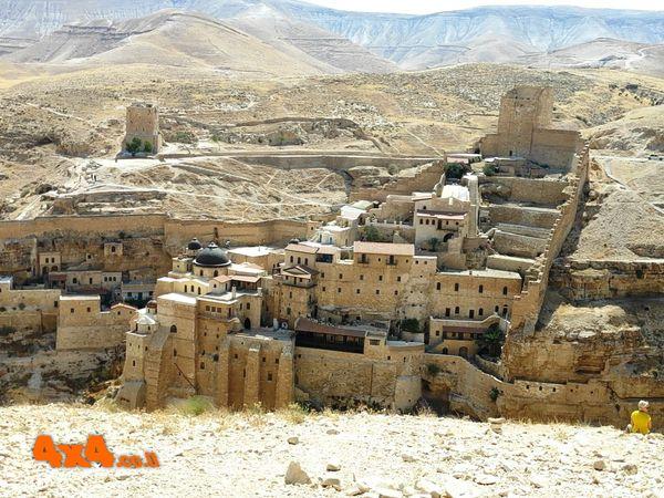 טיול ג'יפים מעין מבוע אל המנזר האבוד - המרסבא
