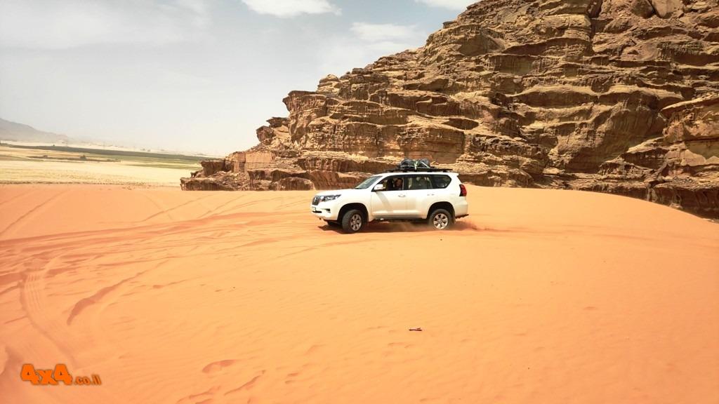 שטח 4X4 - מסעות בעולם