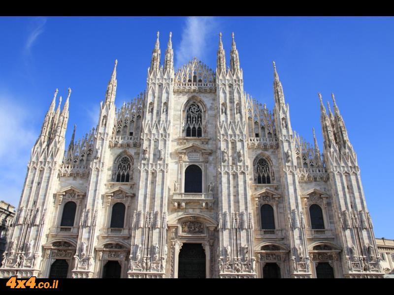כנסיית הדומו במרכז מילאנו