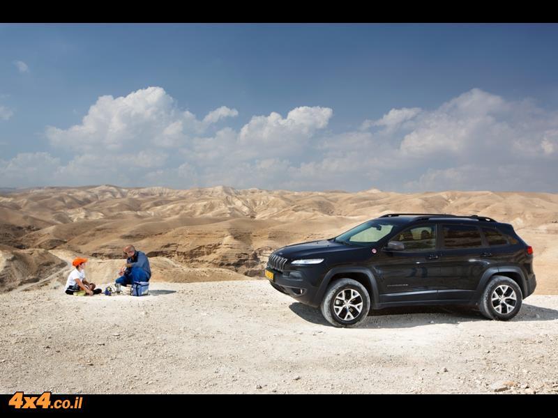 מבחן דרכים ג'יפ צ'רוקי - Jeep Cherokee