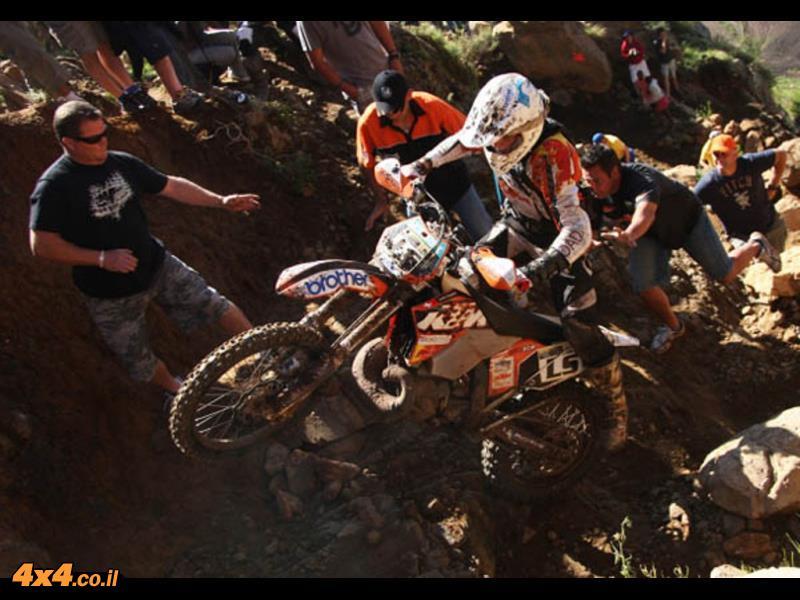 יונתן לוי ונמרוד חמו יוצאים לתחרות האופנועים רוף אוף אפריקה