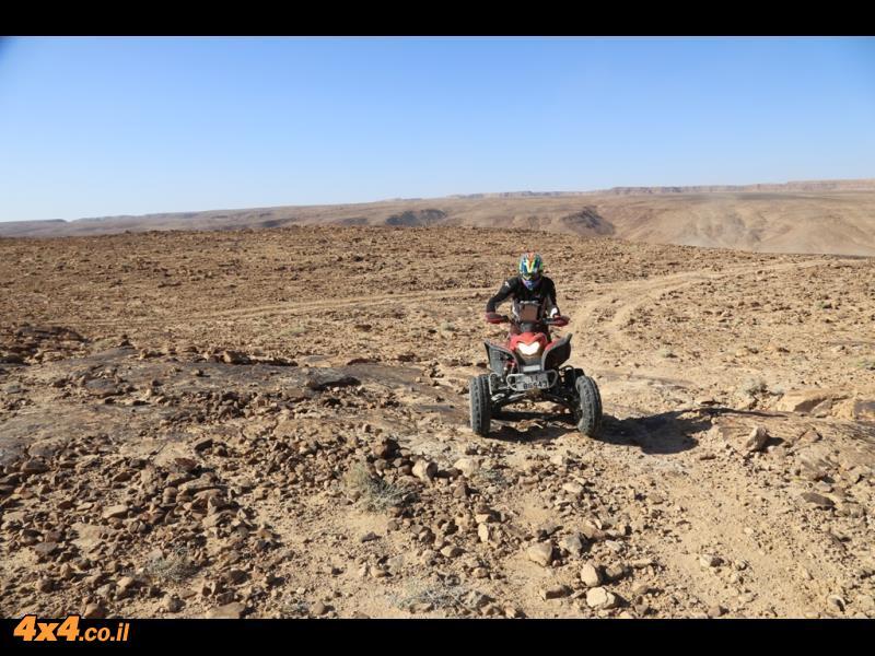 מטפסים לרמת המדבר המזרחית