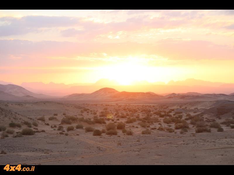 שקיעה במדבר המזרחי