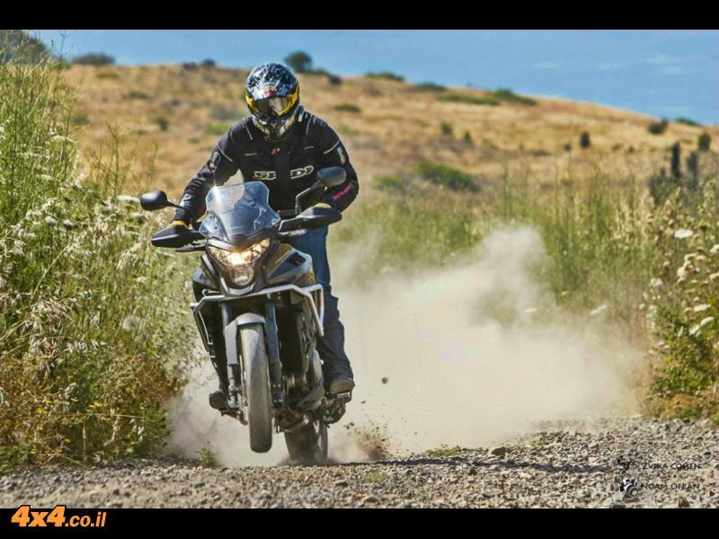 תייר מזדמן: הונדה VFR1200X קרוסטורר