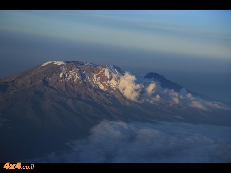פסגת הקילימנג'רו - מבט מהמטוס בדרך חזרה הבייתה
