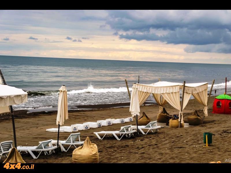 חוף הים השחור בבוקר היום השישי למסע