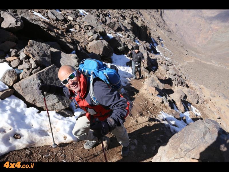 מטפסים לעבר הטובקל - פסגת הרי האטלס