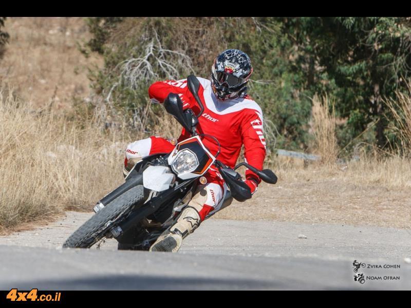 ק.ט.מ אנדורו  KTM 690 R