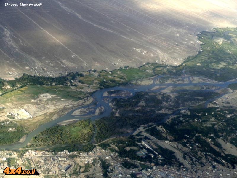 נהר האינדוס בפאתי לה מחלון המטוס