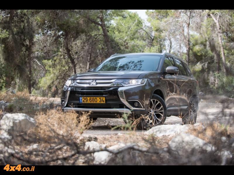 מבחן דרכים - מיצובישי אאוטלנדר Mitsubishi Outlander