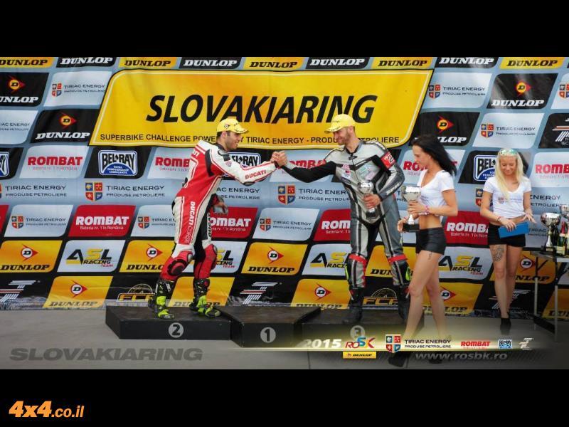 גל ברדה זכה בפרס על הישגיו - מקום שני באליפות מזרח אירופה Superbike challange. גל רוכב דוקאטי 1299