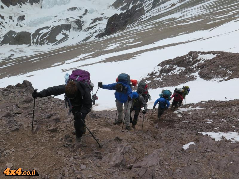 מטפסים לקנדה