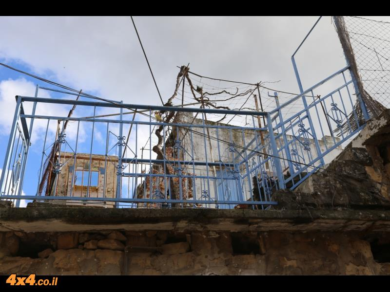 תמונות מבית הכנסת ומרחובות פקיעין