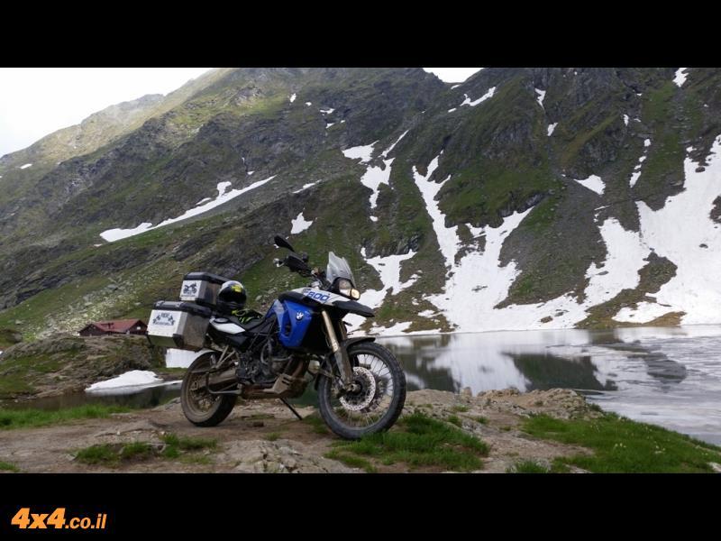 מיוחד: רומניה במסע אופנועים דו-שימושי