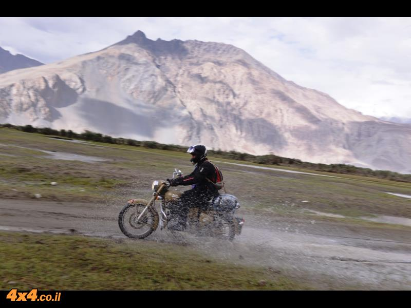 מסע אופנועים הרפתקני בצפון הודו - לשיא הגובה בהימאליה